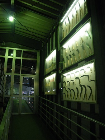 knifevillage 13-03 (11).JPG